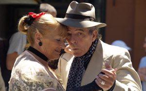 מחפשים פעילות לקשישים אך לא רוצים לחיות בבית אבות?